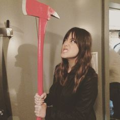 Wait. @chloebennet4 has an axe? I thought #MackHasAnAxe || Chloe Bennet || #cast #bts