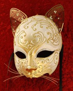 luxury Venetian cat mask in gold White Masquerade Mask, Venetian Masquerade Masks, Halloween Masquerade, Masquerade Ball, Mascarade Mask, Mascara Papel Mache, Ceramic Mask, Venice Mask, Cat Mask
