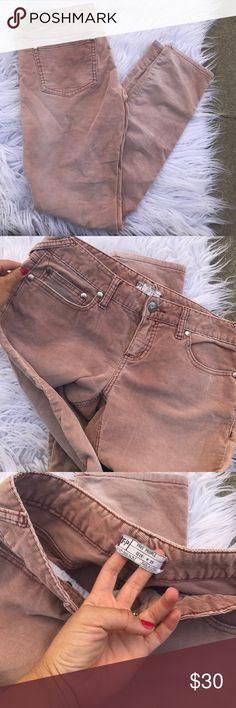 """FREE PEOPLE SZ 29 CORDUROY SKINNY PANTS JEANS Super cute skinnies by fp 31.5"""" inseam 17"""" waist Free People Pants"""