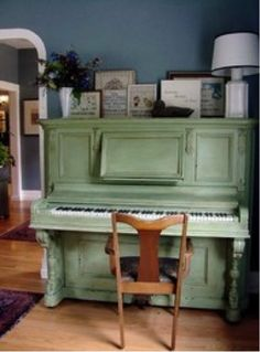 Lovely old painted piano <3