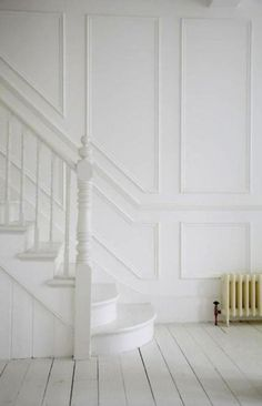 70 Design Ideas for Farmhouse Wall Panels for Living Room, Bathroom, Kitchen and . - Home inspo White Hallway, White Walls, White Stairs, Stairs Painted White, American Houses, London House, Wall Molding, Staircase Design, Staircase Molding
