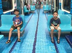 Taipei City, the capital of Taiwan, is gearing up to host the 2017 Summer Universiade. To spread the hype, they gave the subway cars of their Mass Rapid Transit (MRT) system a makeover – by turning…pool Taiwan, Street Marketing, Guerilla Marketing, Marketing Ideas, U Bahn, Different Sports, Summer Games, Ad Design, Store Design