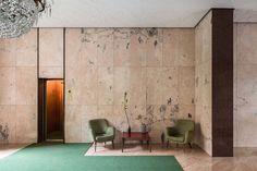 via Antonio Canova 39 Floor: Nembro Rosato limestone Walls: Rosa Portogallo marble, New Imperial Red granite Sculpture: Bianco Carrara marble