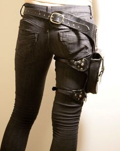 Black leather holster belt bag straps post apocalyptic rough chic fashion - I NEED this! And a big knife holster with it that wraps around the thigh with the actual holster on the outside! Leather Holster, Leather Pants, Black Leather, Leather Tooling, Steam Punk, Conquest Of Mythodea, Mode Punk, Steampunk Accessoires, Post Apocalyptic Fashion