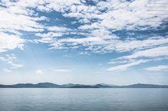 Tra un lavoro e l'altro cerco di sistemare anche qualche foto della mia mini vacanza... #lagotrasimeno #trasimeno #lake #lago #trasimenolake #blue #sky #cielo #amazing #nuvole #clouds #beautifulplace #beautiful #italy #italia #ilovetravel #holidays #picoftheday #photooftheday #landscape #soniagarbelliphotography #sun #sole #rayoflight #vivo_italia by soniagarbelliphotography