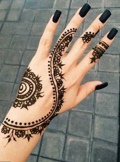 Get some beautiful Henna tattoos (Mehndi Designs) at Location: No. Henna Tattoo Hand, Henna Tattoo Muster, Tattoo Diy, Simple Henna Tattoo, Arm Tattoo, Henna On Hand, Cool Henna Tattoos, Sleeve Tattoos, Cute Henna