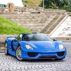 Porsche 918 Spider painted in Arrow Blue w/ Weissach Package  Photo taken by: @jk.automotive on Instagram