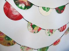 Google Image Result for http://www.pbs.org/parents/fun-and-games/files/2011/12/CoffeeFilterGarland.jpg