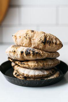 Gluten Free Pita Bread, Vegan Bread, Gluten Free Baking, Vegan Gluten Free, Gluten Free Recipes, Vegan Pie, Pita Recipes, Almond Recipes, Vegan Recipes