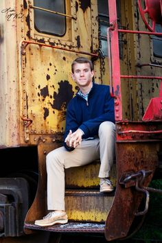 Senior picture ideas for guys, golf, golfers, North Texas