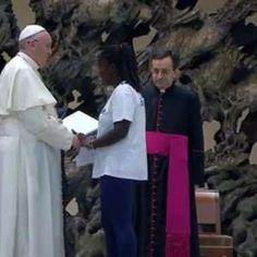 Papa Francesco: Respingere i migranti è un atto di guerra»  http://a.msn.com/r/2/BBlugyj
