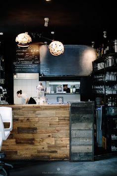 Cafe Pförtner  in Berlin Wedding / Marta Greber