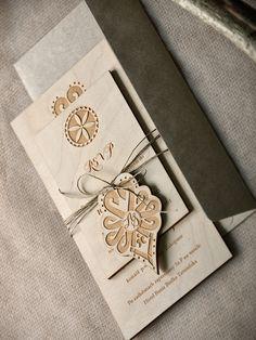 Zaproszenia ślubne ludowe 01/drrLU/z #decorisus #zaproszeniaslubne #zaproszenianaslub #zaproszenia #slub #wesele #folk #polishfolk #wedding #polishwedding #weddings #weddingideas #weddingstyle #party #ludowe #polska #drewiniane #rustykalnezaproszenia #folk #goralskie #tatry #parzenica