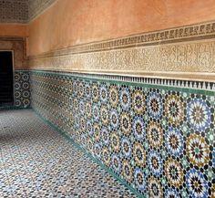 Moroccan tiles, always a feast for the eyes! Calligraphy Borders, Flying Dutchman, Border Tiles, Moroccan Tiles, How To Speak Spanish, Moorish, Bold Colors, Morocco, Animal Print Rug
