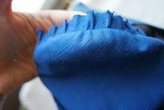 Si te resulta difícil añadir mangas a tus diseños, ¡aprende cómo con este tutorial! :) Mexican Dresses, Dress Sewing Patterns, Sewing Techniques, Womens Fashion, Clothes, Irene, Blazer, Suits, Studio