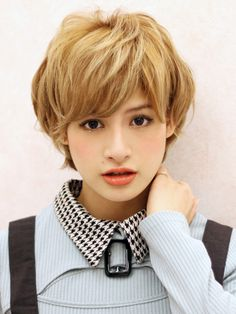 ニュアンスショート short haircut with bangs Good Hair Day, Great Hair, Short Hairstyles For Women, Pretty Hairstyles, Short Hair Cuts, Short Hair Styles, Corte Pixie, Grown Out Pixie, Pelo Bob