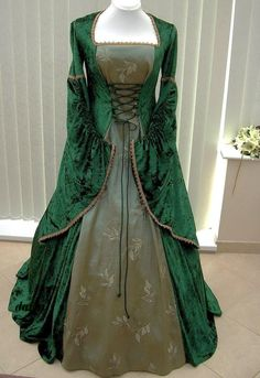 Oh, yes, yes, yes. This is a dress that will inspire something in the story. I just know it.
