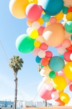 d85e302c3f642 Geronimo Balloons + OHD Birthday Balloon Installation