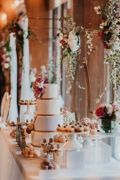 A Gorgeous Floral-Filled Blush & Mauve Wedding in Montreal Pretty Wedding Cakes, Unique Wedding Cakes, Mauve Wedding, Wedding Day, Weekend Cottages, Romantic Dinners, Marry You, Types Of Flowers, Warm Colors