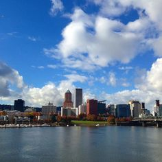 Downtown Portland.. #portland #portlanddowntown #waterfront #skyline #clouds #sunny #oregon #omsi