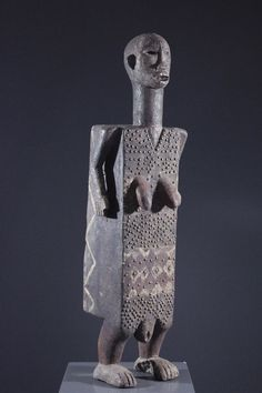 Women S Biggest Fashion Crimes African Dolls, African Art, African Sculptures, Art Premier, Effigy, Garden Statues, Tribal Art, Rustic Design, Art And Architecture