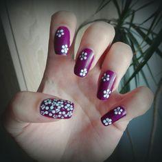 Purple White Dots Flower Nail Art