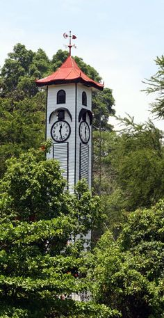 Built in 1903, this all-wood, no-nails structure was built in memory of Francis George Atkinson. This Clock Tower has the distinction of being the oldest standing structure in the whole of Sabah that survived the destruction of Jesselton town during World War II.: