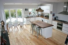 Large, open plan kitchen/ family room with plenty of light. NB- currently only considering stills shoots.