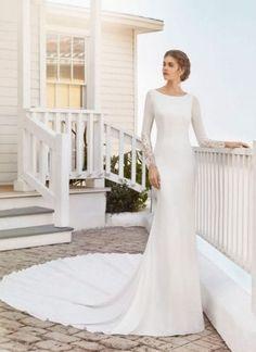 Spanish bridal brand Rosa Clara has designed dresses for over 25 years.