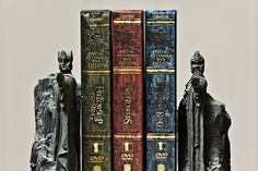 Lord of the Rings Bookends. Kind of makes me wish I didn't have quite so many books so that I could actually make use of bookends.