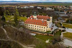 Fotka v albume Bernolákovo Kaštiel - Fotky Google Key Photo, Photo Book, Album, Mansions, House Styles, Google, Manor Houses, Villas, Mansion