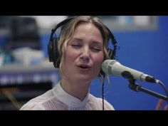 Jennifer Nettles Sings Christmas Mashup Of 'O Holy Night' And 'Hallelujah' - Christian Music Videos