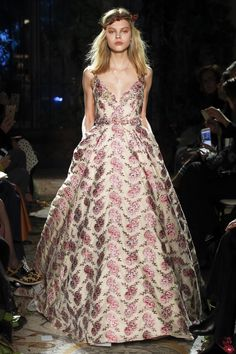 Luisa Beccaria Fall 2017 Ready-to-Wear Collection Photos - Vogue (Floral Embroidered Ball Gown)