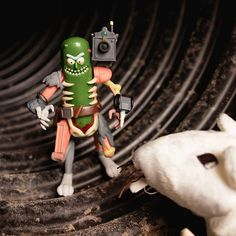Figúrka akčná Rick and Morty - Pickle Rick (Funko) - GameExpres Rick And Morty, Pickles, Birthday, Birthdays, Pickle, Dirt Bike Birthday, Pickling, Birth Day