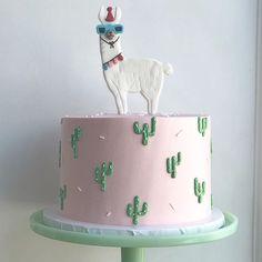 Party Llama for the cutest ? Parti Lama pour le plus mignon . Beautiful Cakes, Amazing Cakes, Cactus Cake, Cactus Food, Cactus Cupcakes, Party Cupcakes, Cactus Cactus, Cacti, Dessert Halloween