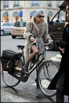 catherine baba always riding her bike with heels #fashion