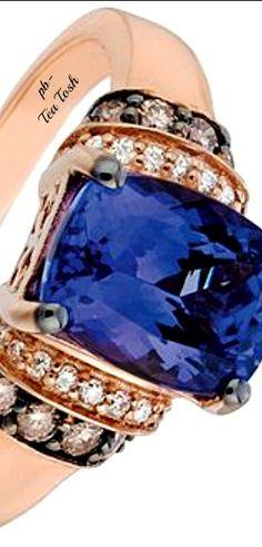 ❇Téa Tosh❇Le Vian, Blueberry Tanzinite, Chocolate & Vanilla Diamonds set in… I Love Jewelry, Bling Jewelry, Jewelry Rings, Jewelery, Jewelry Accessories, Tanzanite Engagement Ring, Engagement Rings, Vintage Art Deco Rings, Ring Earrings