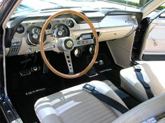 Deluxe Parchment interior '68 Shelby