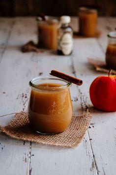instagramで話題の「#4コマレシピ」は、簡単においしいスイーツが作れちゃうんです。それも意外にシンプルな材料なので、冷蔵庫にあるものでササッと作れちゃうのも嬉しいポイントです。お子様と一緒に作るのもオススメ♡美味しいスイーツや甘いドリンクをご紹介します。