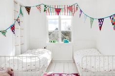 Twins room white with bunting