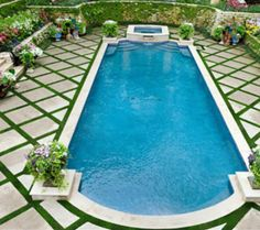 50 Awesome Geometric Pool with Grass Deck Ideas - Beauty Room Decor Backyard Pool Landscaping, Backyard Pool Designs, Swimming Pools Backyard, Swimming Pool Designs, Garden Pool, Pool Spa, Terrace Garden, Landscaping Tips, Southern Landscaping