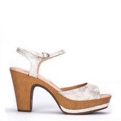 Sandalia pulsera Weekend by Pedro Miralles en piel print snake #shoes #ss16 #inspiration  #shoeporn #sandals #zapatos #moda #calzado #metal #silver