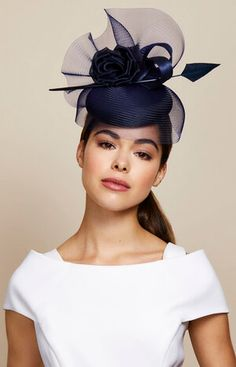 London based milliner Juliette Botterill makes beautiful bespoke headpieces and hats for that special occasion. Fascinator Headband, Flower Headpiece, Headpiece Wedding, Wedding Hats And Fascinators, Mermaid Headpiece, Bridesmaid Headpiece, Hair Fascinators, 1920s Headpiece, Gold Headpiece
