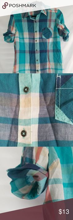 Closet Closing Naturals Thin Cotton plaid Button Naturals Thin cotton pale blue plaid button down top. Long sleeves, rolls up with sleeve stays. One pocket on the front. Size small in gently worn condition. No flaws that I can find.   From a clean smoke free home Natural Reflections Tops Button Down Shirts