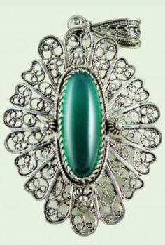 filigree-agate stone pendant