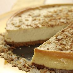 Coquito Cheesecake Your favorite seasonal rum cocktail is even better as cheesecake. No Bake Desserts, Just Desserts, Dessert Recipes, Easter Recipes, Spanish Desserts, Boricua Recipes, Puerto Rico Food, Comida Latina, Food Cakes