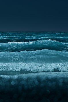 Night Waves the blue sea, nature photography blvkkiss Sea And Ocean, Ocean Beach, Ocean Waves, Ocean Deep, Big Waves, Ocean Girl, Black Ocean, Beach Bath, Beach Waves