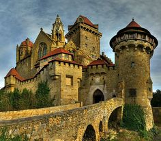 Burg Kreuzenstein (Kreuzenstein castle), 2100 Leobendorf bei Korneuburg, near Leobendorf, Austria. - www.castlesandmanorhouses.com