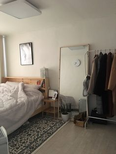 Room Makeover, Room Ideas Bedroom, Room Design, Minimalist Room, Bedroom Makeover, Home Bedroom, Small Bedroom Decor, Room Inspiration, Small Room Bedroom