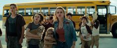 Joey King, Hays Wellford, Mckenna Grace, and Garrett Wareing in Independence Day: Återkomsten (2016) http://www.movpins.com/dHQxNjI4ODQx/independence-day-2-(2016)/still-2125529088